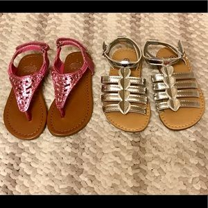~Set of two Toddler size 7 sandals~